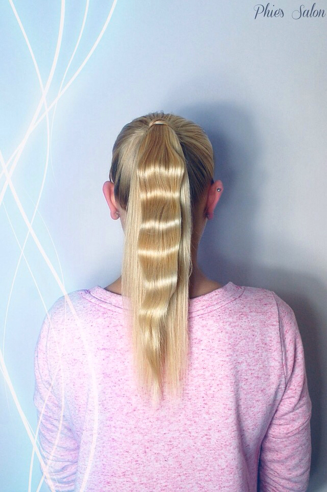 The one wave ponytail
