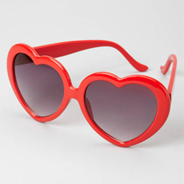 Fred-Flare-Heart-Shaped-Sunglasses