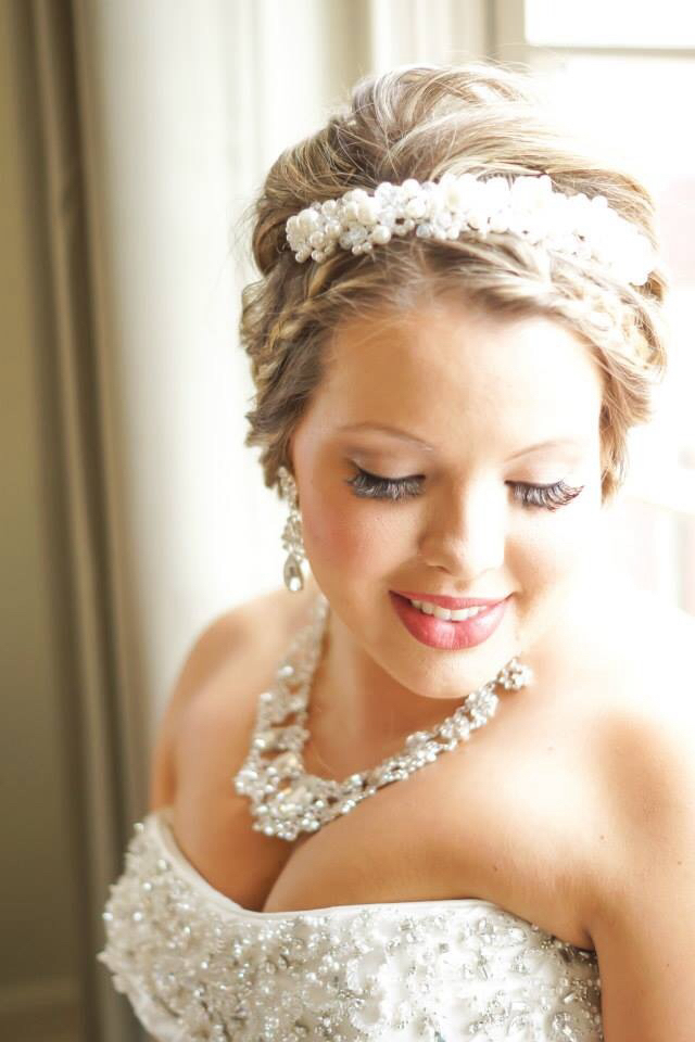 Bridal upstyle and makeup