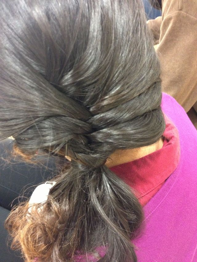 fish braid side pony