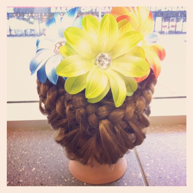 """flower child"" up do"