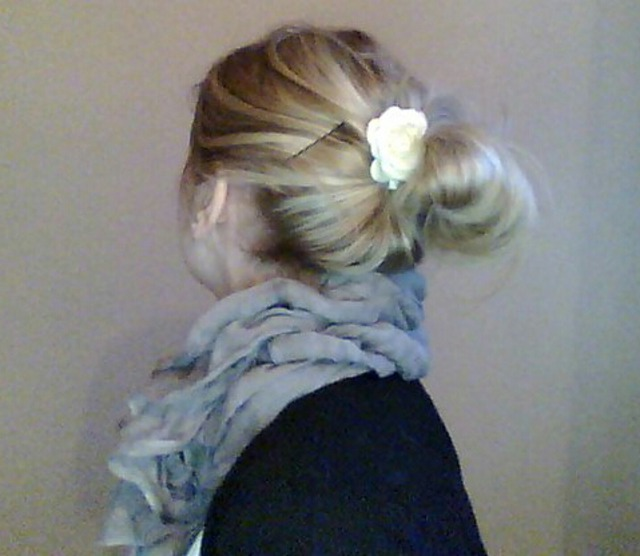 hair bun with accessorize