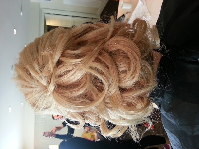 #hair #style #color #blone #wedding #fashion #fab #up do #glam by DeisyRodriguez of https//: www.focusonbrides.com