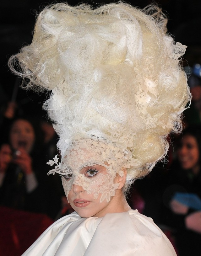 lady-gaga-funky-hairstyle-brit-awards-2010-803x1024