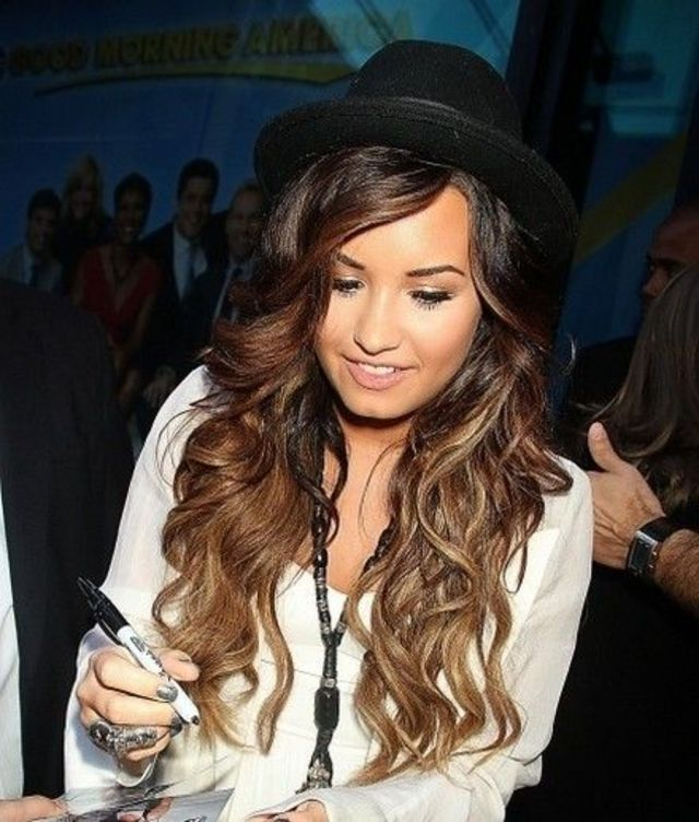 love Demi's hair!