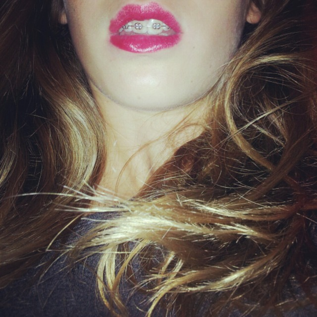 #my #hair #blond #lips #red