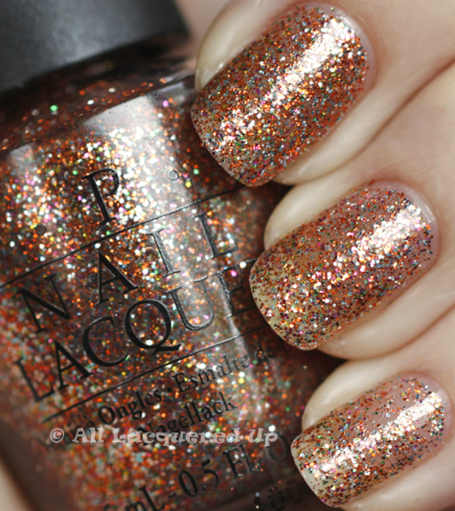 opi-extra-va-vaganza-swatch-burlesque-holiday-2010-glitter