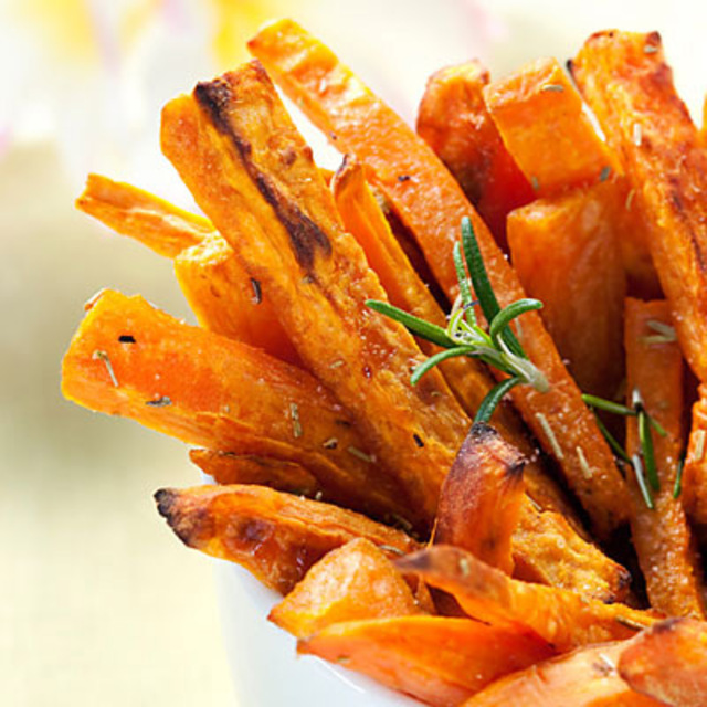 pg-04-white-house-recipes-sweet-potato-fries-full
