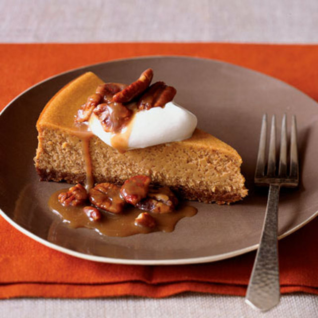 pumpkin-cheesecake-pecan-praline-topping-xl