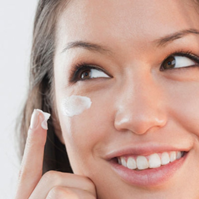 rby-twitter-tips-carry-eye-cream-getty-de