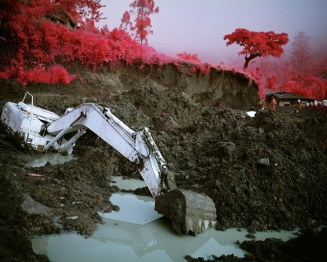 richard-mosse-infra-series-2-600x482