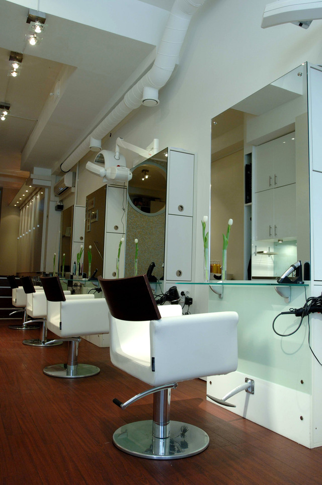 Cardell Redken Lounge