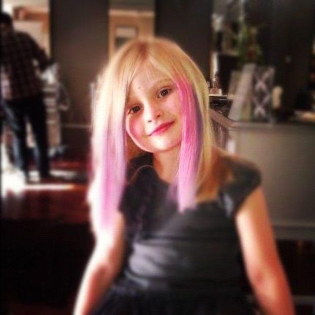 sienna's new cut with pink color bug