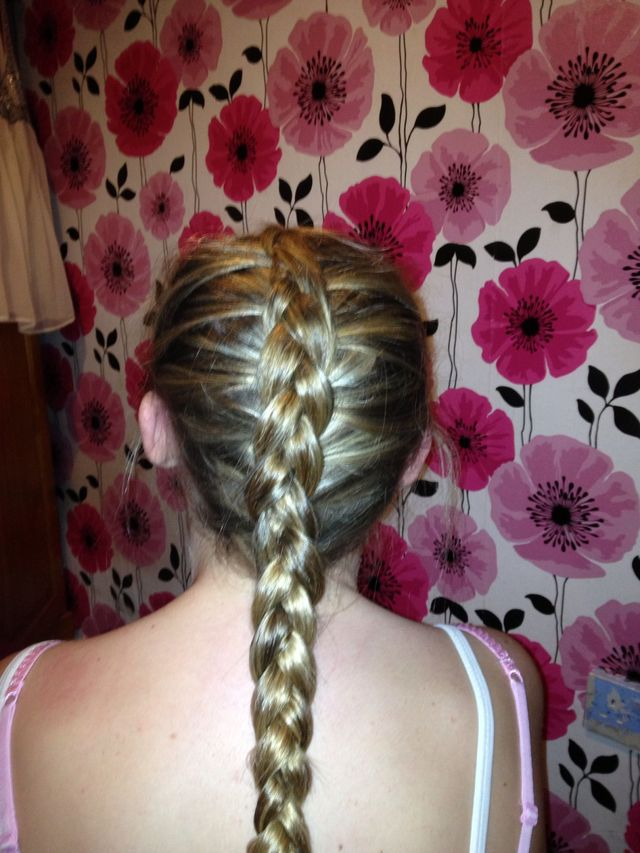 sisters hair braid